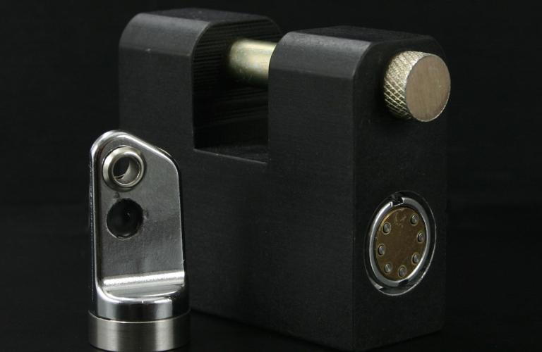 LP7000 Straight Shackle